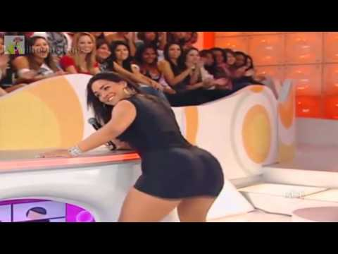 Hot Body and Sexy Booty Brazil Twerk With Tight Dress Front Of Camera and Audience