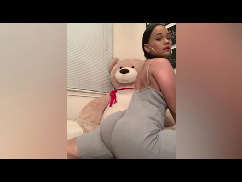 she twerking big booty shake sexy ass twerk hard