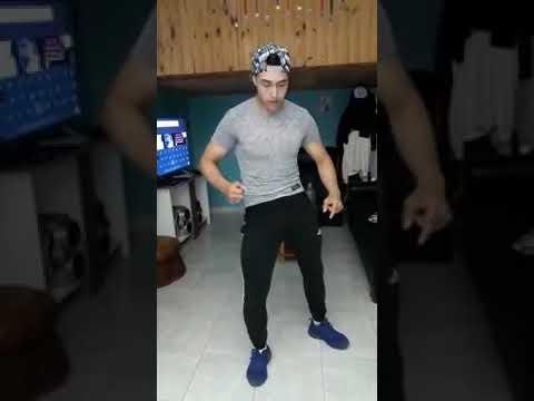Chico argentina bailando funk brasileño muy sexi