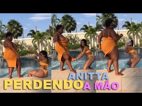 Anitta e Jojo Todynho dançando musica nova 'Perdendo a Mão'