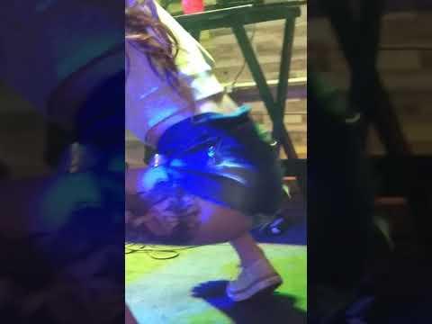 Novinha Dançando No Baile da Bad Girl em Osasco DJ Dudu Hollywood