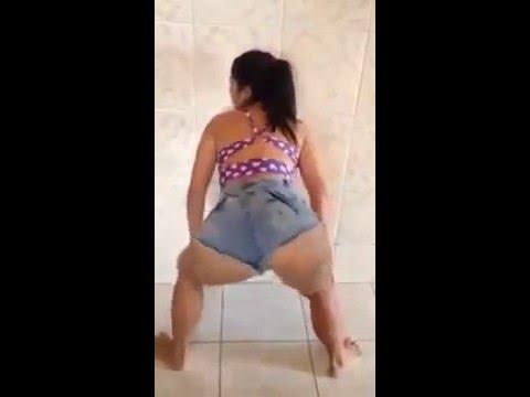 Tamara Dias Dançando Pepeca sapeca se jogou e caiu de perna aberta 2016