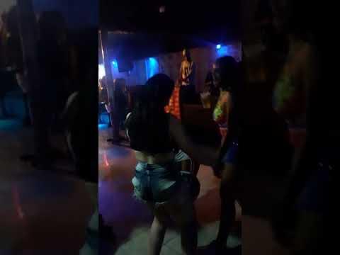 As novinhas como tava no baile do quintal do Zequinha
