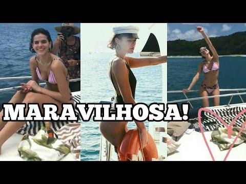 De FIO-DENTAL Bruna Marquezine ostenta CORPÃO em passeio de barco
