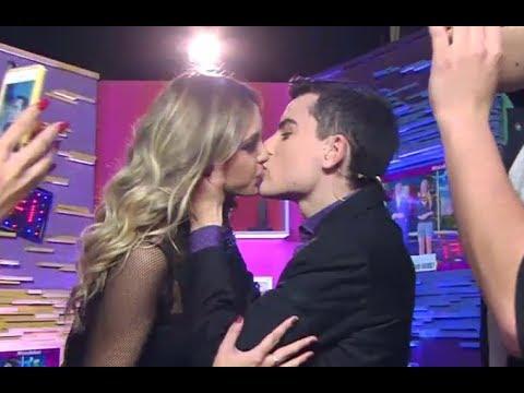 Dudu Camargo beija Panicat Dani Bolina Luara Lugli no pânico