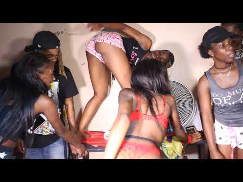 sexy slim small booty black girls twerk at house party to new orleans bounce music