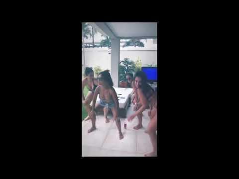 Anitta dançando funk e rebolando de fio dental anitta funk dançando fiodental
