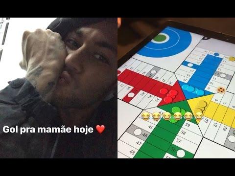 Neymar e Bruna Marquezine jogando