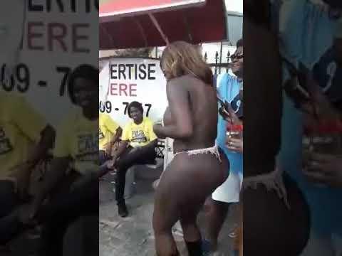 Big booty African twerk 0