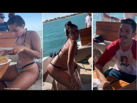 Anitta e seu bikini provocante dançando funk em passeio de barco com o novo namorado
