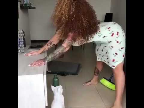 Big booty Latina twerks and clean
