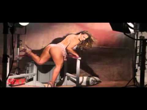 Viviane Araújo 2012 Making Of Revista Sexy