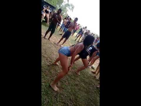 Mulheres dançando funk 3