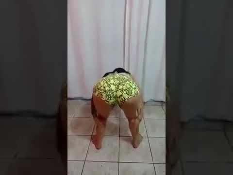 Novinha dançando funk morena dançando funk
