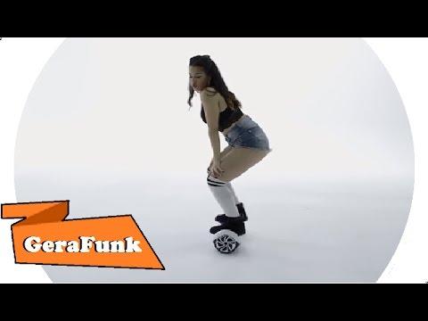 Novinha rabuda dancando playlist de funk Part 4 10