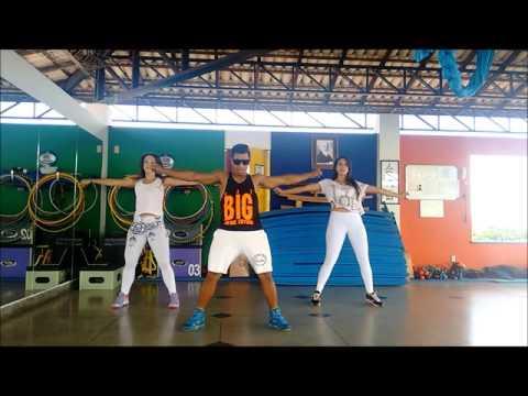 Mc Tati Zaqui - Água na Boca - Cia Top Dance