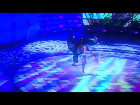 Bruna Marquezine dançando funk no Faustão