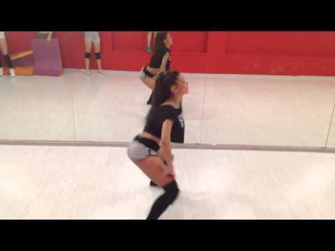 BOOTY DANCE TWERK - LESSI - RaiSky Dance Studio - Live dance class