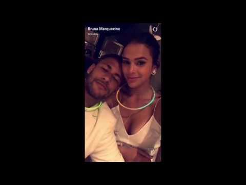 Bruna Marquezine rebola com Neymar ao som de funk em festa de Réveillon