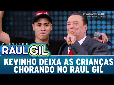 MC Kevinho deixa as crianças chorando no Raul Gil Programa Raul Gil 15 04 17