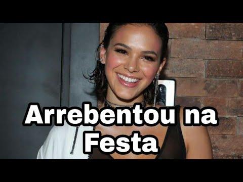 Bruna Marquezine dança funk na sua festa