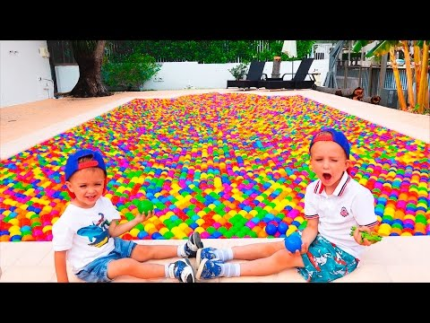 Bad Baby ПОЛНЫЙ БАССЕЙН МЯЧИКОВ Ball Pit Show - Whole Pool Balls for Kids