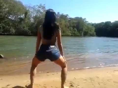 Novinha dançando no lago -Dançarinas cats -twerk brazil