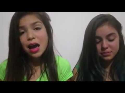 Melody e Sua irmã Bella Cantando em Homenagem ao Chapecoense